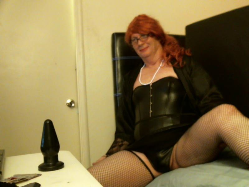 sissy slutty sara waiting to play